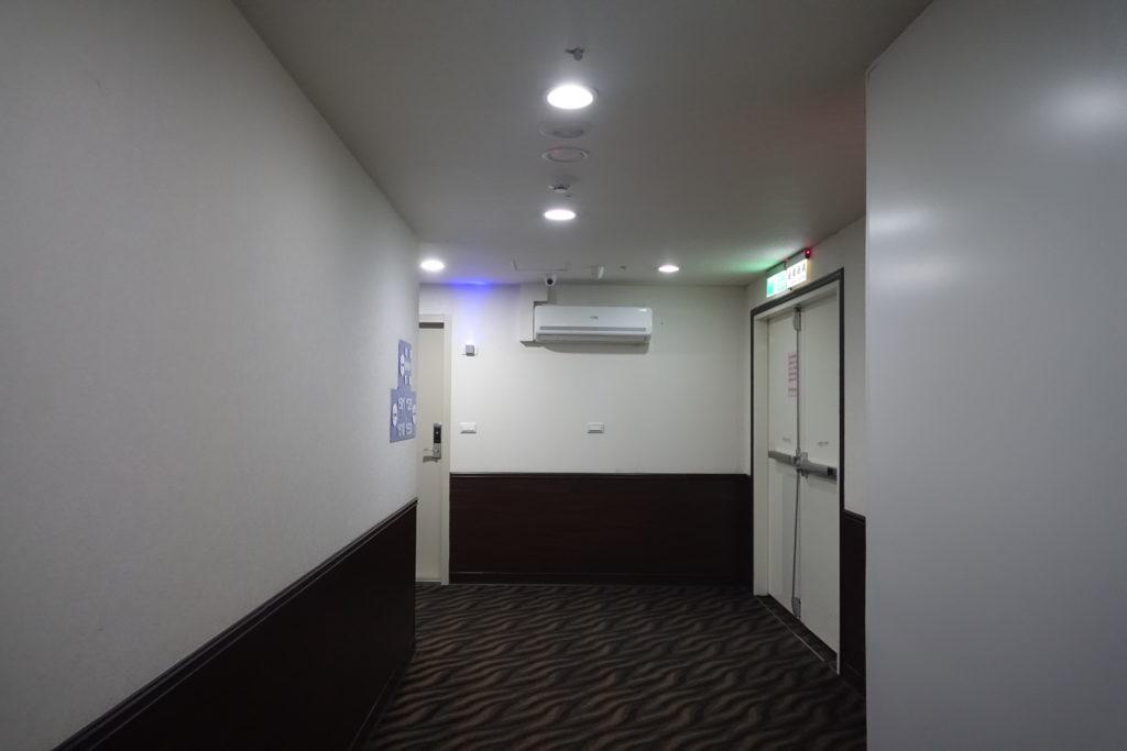 廊下エアコン